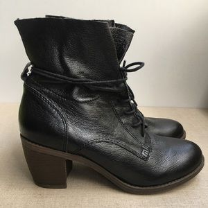Steve Madden US 7.5 Black Leather Lace-Up Boots